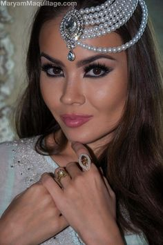 Arabic Makeup Tutorial, How To Be Indie, Arab Wedding, Exotic Beauties, Image Notes, Pearl Pendant, Headpiece, Jewelry Collection, Hair Accessories