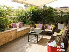 La terrazza diventa living: arredare anche con le piante - Cose di Casa Interior Design Images, Wooden Decks, Outdoor Furniture Sets, Outdoor Decor, Balcony Garden, Creative Home, Outdoor Gardens, Sweet Home, House Design