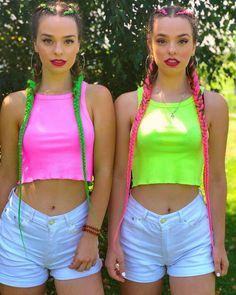 Preteen Girls Fashion, Girl Fashion, Twin Outfits, Girl Outfits, Best Friend Outfits, Twin Photos, Cute Twins, Beautiful Little Girls, Twin Girls