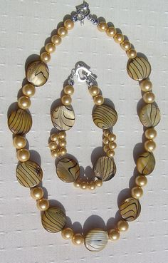 """Necklace & Bracelet Set, Gold Mother of Pearl and Yellow Shell Pearl """"Golden…"""
