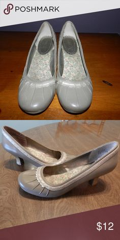 Cute heels Light grey/beige with small heel and lace. They are a little worn on bottom but rest of shoe is in good condition, no scuff marks. Mudd Shoes Heels