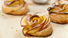 Apple Roses Recipe With Homemade Puff Pastry Sheets (Eggless) are the delicious baked and attractive edible roses with apple & homemade puff pastry sheets. Strawberry Muffin Recipes, Strawberry Muffins, Puff Pastry Dough, Puff Pastry Sheets, Peanut Butter Cookie Recipe, Cookie Recipes, Eggless Baking, Macaroon Recipes, Apple Roses