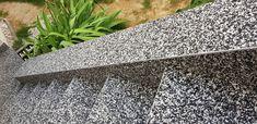 Aussentreppe mit Steinteppich Stones