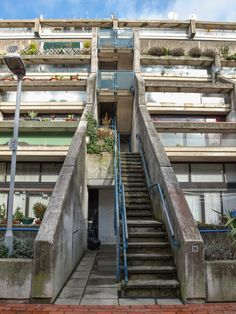 The Alexandra Road housing estate in London designed by Neave Brown is a masterpiece of new brutalism London Architecture, Urban Architecture, Architecture Photo, Amazing Architecture, Amazing Buildings, Modern Buildings, Building Photography, Landscape Photography, Camden London