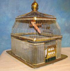 Vintage-HENDRYX-Brass-Bird-Cage-With-Feeders-Bird-Decoration-J922