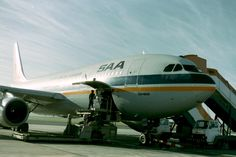 SAA Airbus A300 Gemsbok DF Malan airport 1988 747 Airplane, Passenger Aircraft, Vintage Air, Civil Aviation, Boeing 747, Air Travel, Airports, Spacecraft, Baggage