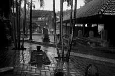 Abbas - INDONESIA. Kudus. Cemetery surrounding the mausoleum of Sunan Kudus, who brought Islam to Java whose