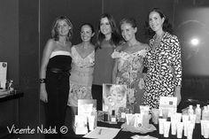 Equipo Luxeli con Carla Royo-Villanova en el Evento Luxeli Belleza