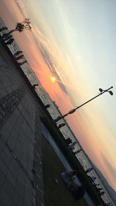 #sunrise #izmir #kordon Instagram Snap, Instagram And Snapchat, Instagram Story Template, Instagram Story Ideas, Summer Photography, Ocean Photography, Photography Poses, Netflix And Chill Tumblr, Ibiza Travel
