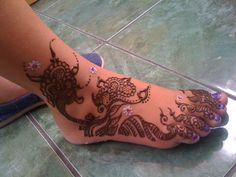 Henna by Zee - i did this on my neighbors granddaughter.