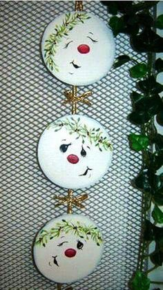 Sweet CD recycling idea – Upcycling Recycling – # sweet … - All For Remodeling İdeas Cd Crafts, Snowman Crafts, Cd Recycling, Christmas Projects, Holiday Crafts, Holiday Pics, Fun Projects, Wood Projects, Christmas Snowman