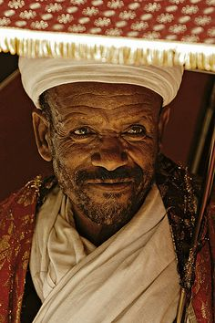 Priest waiting to bless the pelgrims who came to Lalibela for  Christmas (Ethiopia).