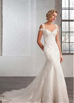 Elegant Tulle V-neck Neckline Mermaid Wedding Dresses with Beaded Lace Appliques