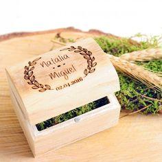 Cofre de madera personalizado para alianzas