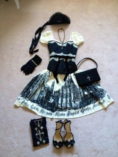 OP: ruins cathedral by Moitie Corset: off brand (vintage boutique) Gloves: Anna Sui Headdress: Moitie Necklace: Juliette et Justine Bag: Moitie Socks: Juliette et Justine Shoes: Chanel