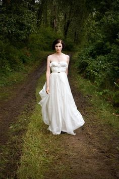 Game of Thrones: Wedding dress by Sarah Seven. #tvwedding