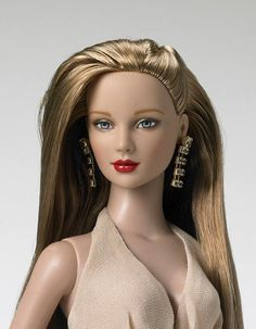 """Ashleigh Shimmering Diva, a 16"""" fashion doll made exclusively by Tonner for TwoDayDreamer. LE 150"""