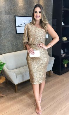 Midi party dress: 60 dresses for weddings, graduations and social events . - Midi party dress: 60 dresses for weddings, graduations and social events – Ready for Party - Night Outfits, Dress Outfits, Fashion Outfits, Short Dresses, Prom Dresses, Formal Dresses, Style Surfer, Look Star, Fiesta Outfit
