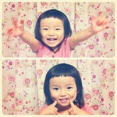 """*  """"mommy!!  I wanna snap snap!""""  *  ゴキゲンちびっこ(๑′ᴗ‵๑) 上は、だっこー!な所なんだけど  勢いよく持ち上げてあげると、きゃーーー(♡´∀`♡)ってなるよw  *  #親バカ部 #children #kids #ぱっつん - @kinax- #webstagram"""