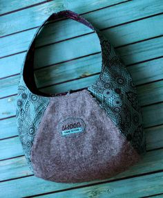 Laney Hobo bag - I have this pattern and its cute.