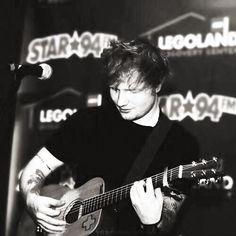 3 weeks and i get to see him live!!! ahhh khaskldhask;flhsd;fkhasdf!@