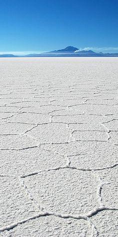 Salar de Uyuni, Bolivia – Natural Beauty in South America Es importante que protejan este campo de sal. Por eso, esta tierra es una reserva natural.