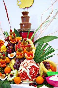 Fantana de ciocolata si bar de fructe exotice si autohtone  by Dan Moga ...de la www.450.ro