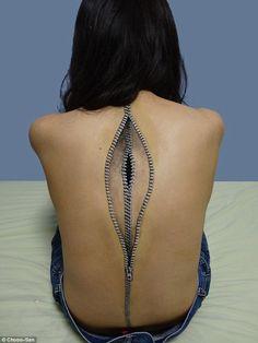 Japanese Girl Creates Incredibly Surreal Body Art