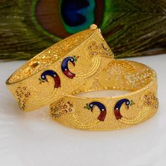 How Sell Gold Jewelry Kids Gold Jewellery, Peacock Jewelry, Mens Gold Jewelry, Gold Jewellery Design, Gold Bangles Design, Bridal Bangles, Indian Jewelry, Bangle Bracelets, Bangle Set
