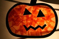 Make this tissue paper pumpkin craft with kids around Halloween. Put this pumpkin on the window and watch it look like its glowing in the sunlight! Toddlers can even help do this pumpkin craft. Theme Halloween, Halloween Crafts For Kids, Halloween Activities, Fall Crafts, Fall Halloween, Holiday Crafts, Preschool Halloween, Fall Preschool, Thanksgiving Crafts