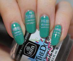 Mielenmaisemia: Holographic #ablecs15 #nails #nailart