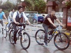 Shah Rukh Khan and Salman Khan's 'bhai bhai' picture went viral on the internet a few days back. The two were also clicked riding bicycles on the streets of Bandra recently. Now, let us throw some light on what exactly happened before the duo actually planned the ride. Reportedly, it was just another rainy day when Shah Rukh Khan was at some brand event and called Salman Khan to catch up with him. Both of them enjoyed a nice dinner that included biryani, kebabs and the best delicacies. Post…