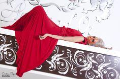 Model: Jurubita Adriana Make-up: Alice Aslan Hair style: Glamour Salon Expert Vestimentatie: Stefania Caragea Colaborator: Gradinaru Catalin Locatie: Ambasad'or Events Fotograf: Cristian Negoita – www. Salons, Alice, Tapestry, Events, Hair Styles, Model, How To Make, Dresses, Decor