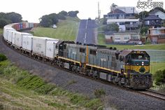X43 & X42 with the 9204 Warrnambool Freight by Australian Trains, via Flickr