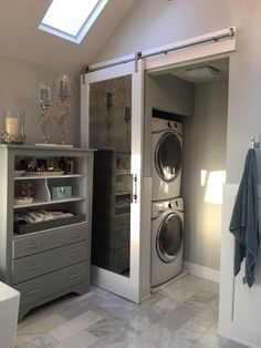 82 Remarkable Laundry Room Layout Ideas for The Perfect Home Drop Zones Master bathroom laundry & water closet Laundry Room Layouts, Laundry Room Bathroom, Farmhouse Laundry Room, Small Laundry Rooms, Bathroom Spa, Laundry Room Design, Modern Bathroom, Small Bathroom, Bathroom Ideas