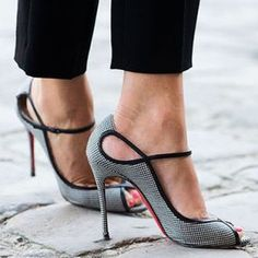 At least temporarily. Wearing heels over an extended period of time can shorten your Achilles tendons (the tissues that connect your calf…