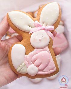 Новые герои и цвета в уже знакомом наборчике для принцесс #имбирныепряники #расписныепряники #пряникиручнойработы #pechenko_dnepr #cookies #icing #royalicing #icingcookies #baby #babyshowercookies #girlcookies #пряникидлядетей #пряникидлядевочки #подарокребенку #днепр #днипро #пряникиднепропетровск