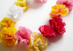 Hawaiian Lei with crepe paper