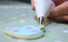 Video| Ako pripraviť zdobiace vrecko z papiera na pečenie
