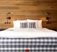 """Mornings crispy bed by Cervo #hästens #happymonday #interiordesign #hotel #swiss #instadaily #boutiquehotel #CERVOzermatt #HipExplore"""