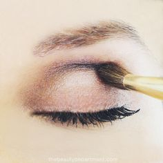 Did you know there are 4 sides to an eye shadow brush and how to use each side? Click through to check it out!