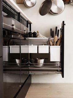 Square Eik i fargen Lakriz. Smart oppbevaring i uttrekkskap. Sigdal kjøkken. Room Interior, Shoe Rack, Classic, Kitchen, Inspiration, Home, Icing, Interiors, Modern