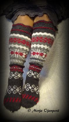 Knit Socks, Knitting Socks, Hand Knitting, Knitting Patterns, Crochet Patterns, Boot Toppers, Fair Isles, Crafts To Do, Sock Shoes