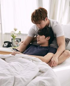 Cute Asian Guys, Cute Korean, Cute Gay Couples, Couples In Love, Queen Victoria Family Tree, Matsukawa Issei, The Love Club, Lgbt Love, Bad Romance
