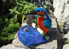 Needle felted Kingfisher, kingfisher on driftwood, kingfisher with fish, collectable bird, bird ornament, nature scene, nature table
