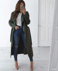 I& obsessed with coats 😍 and this khaki from Fashion Drug is fantastic . - I& obsessed with coats 😍 and this khaki from Fashion Drug is fantastic, plus jeans from… - Winter Fashion Outfits, Fall Winter Outfits, Autumn Fashion, Stylish Winter Outfits, Classy Outfits, Casual Outfits, Casual Boots, Elegantes Outfit Frau, Mode Instagram