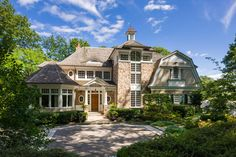 Magnificent waterfront residence built by Kean Development. 2-story entry, Living room/fireplace, gourmet kitchen, elevator, bumbwaiter, unsurpassed quality throughout. Radiant heat in master bedroom and garage. MLS# 2736042