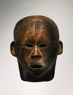 Tabwa Mask, Democratic Republic of the Congo Height: 12 in cm) Mauricio and Emilia Lasansky, Iowa City, by the early African Masks, African Art, African Wood Carvings, African Sculptures, Art Premier, Cool Masks, Indigenous Art, African Beauty, Tribal Art