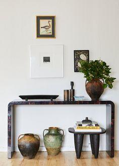 Decor, Home Deco, Console Table Decorating, Interior Inspiration, Beautiful Interiors, Interior, Home Decor, Entryway Decor, Home Decor Inspiration