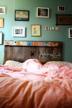 isn't this wonderful?! she used old barn wood and sealed in the chalk.